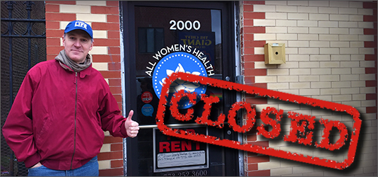Eric Scheidler outside the now closed All Women's Health clinic